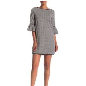 Max Studio geo printed bell sleeve dress L